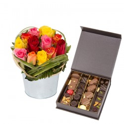 Pot de roses et chocolats