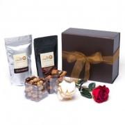 Choco Passion avec Chocolats, Croquants, Calissons, Thé, Café et 1 Rose