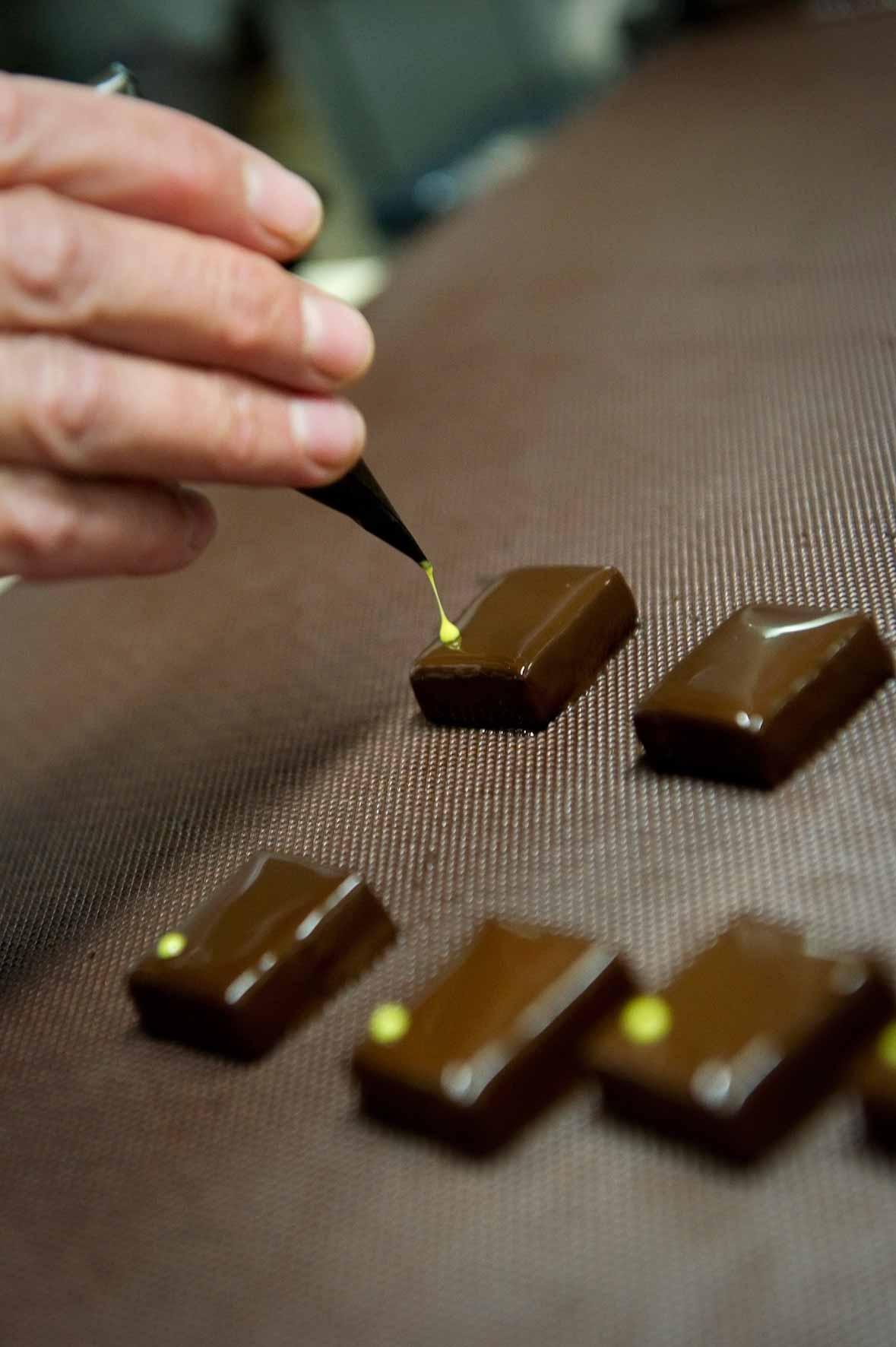 décor chocolat à la main